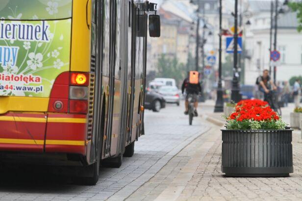 Wakacje w komunikacji tvnwarszawa.pl